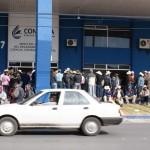 Campesinos de la región lagunera en las oficinas de la CNA de Torreón. (Foto: www.lalaguna.mx)