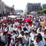 Maestros de la Sección 38 realizaron una manifestación para apoyar una Reforma Educativa que no perjudique sus derechos laborales. (Foto Enrique Proa Villarreal).