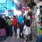 Ciudadanos matamorenses realizan con anticipación sus compras navideñas. (Foto: www.elmatamorense.com)