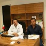 Jaime Ortega Rodríguez, Director del Hospital General de Matamoros y Juan Jesús Reyes Burciaga, jefe de modulo del seguro popular en afiliación y orientación