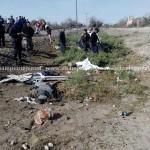 A unos metros del automóvil quedaron los cuerpos inertes de un adulto mayor, una adolescente, y el de una pequeñita, tras el fatal accidente del que fueron participes.