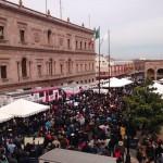 Maestros en su mayoría de la Región Laguna 'sitiaron' el Palacio de Gobierno de Coahuila esta mañana en la ciudad capital de Saltillo, en donde protestaron el retiro de subsidio de impuestos lo que afecto seriamente su economía familiar. (Foto: @jdanielsantiago)