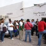 Decenas de jóvenes acuden al departamento de enlace municipal del empleo para traer papelería. (Foto: www.elmatamorense.com)