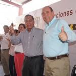 De manos del gobernador Rubén Moreira el Alcalde Raúl Onofre recibió de manera simbólica las llaves de las nuevas unidades de la policía municipal. (Foto: El Matamorense Digital)