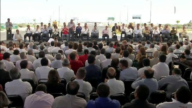 Diversos funcionarios municipales se ausentaron de sus funciones para asistir al evento que encabezó el Presidente de México, Enrique Peña Nieto en la ciudad de Torreón.