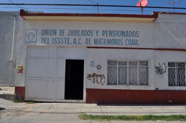 Jubilados y pensionados del ISSSTE en Matamoros piden incrementar médicos para alcanzar a recibir consulta.