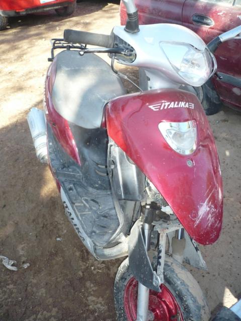 Debido al exceso en la velocidad y la falta de control de la motocicleta, resultó atropellado un ciclista este viernes por la tarde.