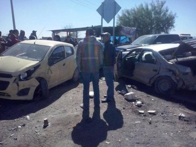 De acuerdo a la información obtenida por parte de la Policía Operativa del Estado, el accidente se registró alrededor de las 12:00 horas de este martes.