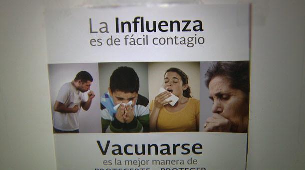 La vacuna que aplican en hospitales del sector salud ayuda a proteger de tres tipos diferentes de influenza, incluidas la tipo AH1N1 y la influenza estacional.