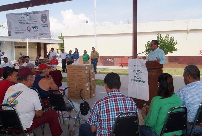 Contando con la presencia del Delegado de DICONSA en Coahuila Hugo Durán Saucedo, el Presidente Municipal Raúl Onofre Contreras, la Presidenta Honoraria del DIF de Matamoros, Graciela Fernández  y beneficiarios del programa.