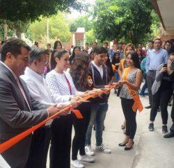 Inaugura obra en la Facultad de Derecho de la UA de C